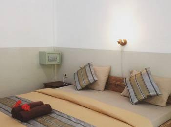 Warna Beach Hotel Lombok - Standard Bungalow With Garden View Regular Plan