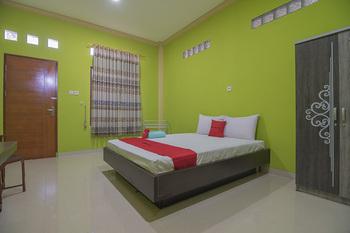 RedDoorz near Transmart Balikpapan Balikpapan - RedDoorz Room Basic Deal