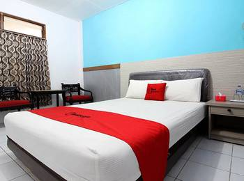 RedDoorz Plus Syariah near Lempuyangan Station 3 Yogyakarta - RedDoorz Room 24 Hours Deal