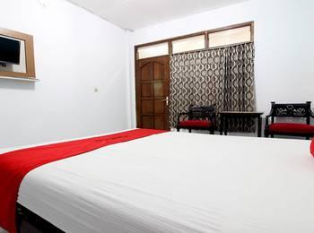 RedDoorz Plus near Lempuyangan Station 3 Yogyakarta - Regular Plan Pegipegi 12.12