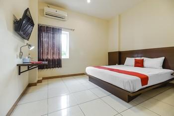 RedDoorz Plus @ Karebosi Area 2 Makassar - RedDoorz Room Kurma Deal