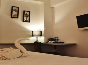 Hotel Maven Fatmawati - Classic Queen Bed Include Breakfast Last Minute Booking