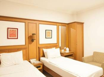 Corsica Hotel Bandung - Deluxe Twin Bed Regular Plan