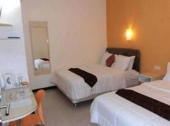 Sentosa Homestay Surabaya - Family Room Regular Plan