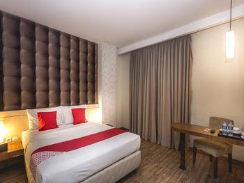 OYO 110 Feodora Hotel Jakarta - Deluxe Double Room Regular Plan