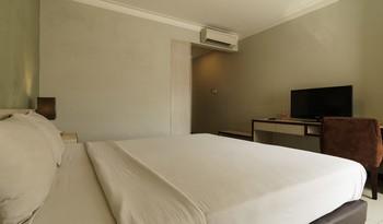 N3 Hotel Jakarta - RedDoorz Room Regular Plan