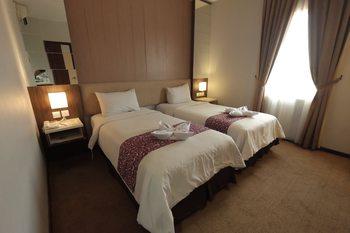 Tjokro Hotel Klaten - Superior Twin Room Breakfast Regular Plan