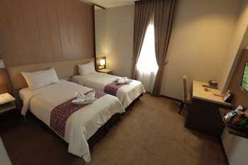 Tjokro Hotel Klaten - Superior Twin Room Only Regular Plan