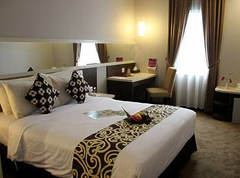 Tjokro Hotel Klaten - Superior Room Only Special Deals