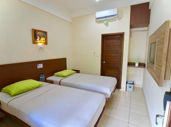 Central Inn Senggigi Lombok - Superior Room Regular Plan