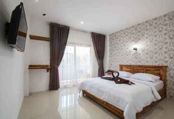 Central Inn Senggigi Lombok - New Superior Room Kurma Deal