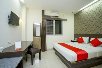 Hotel Grand Kartika Samarinda - Deluxe Double Room  Regular Plan