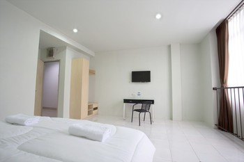 Lodaya 99 Bandung - Double Room Regular Plan