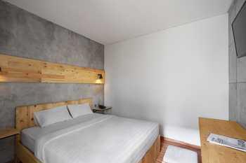 The Journey Hotel Yogyakarta Yogyakarta - Standard Room Same Day Booking