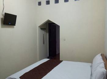 Family Guest House Malang - Family Room Regular Plan