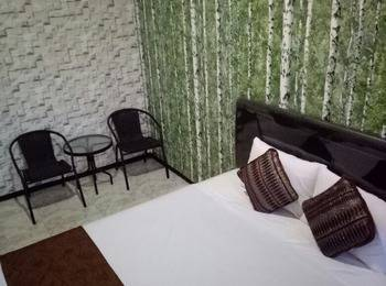 Family Guest House Malang - Room 6 Regular Plan