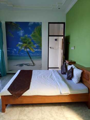 Family Guest House Malang - Room 1 Regular Plan