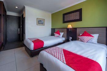 OYO 628 Losari Metro Makassar - Deluxe Twin Room Regular Plan