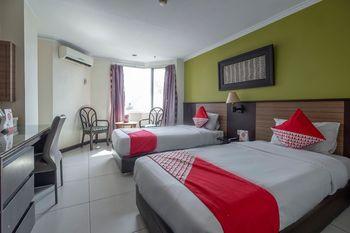 OYO 628 Losari Metro Makassar - Standard Twin Room Regular Plan