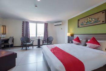 OYO 628 Losari Metro Makassar - Suite Double Regular Plan