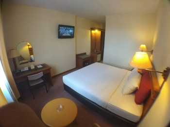 Amans Hotel Ambon - Superior Room Regular Plan