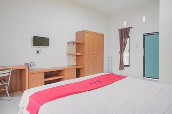 RedDoorz Syariah @ Pasir Putih Jambi Jambi - RedDoorz Room with Breakfast Regular Plan
