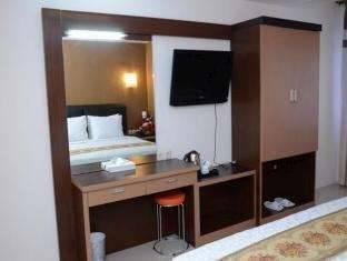 Grand Populer Hotel Makassar - Kamar Suite Regular Plan