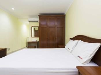 RedDoorz near Ciputra World Kuningan Jakarta - RedDoorz Room Special Promo Gajian