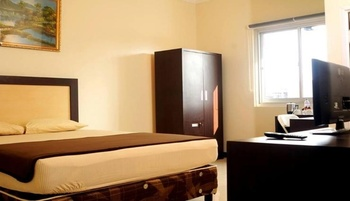 Wisma Banda Makassar - Deluxe Room Basic Deal 40%