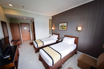 Hotel Nyland Pasteur - Deluxe Twin Room Only Regular Plan