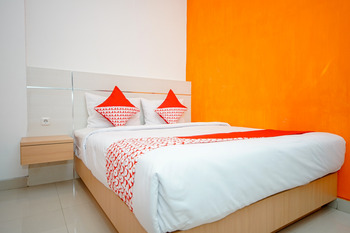 OYO 344 Kr Hotel Palembang - Deluxe Double Last