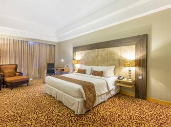 Wyndham Surabaya Surabaya - Deluxe King Room Only Stay Close