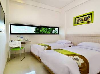 J Hotel Kuta - Cozy Twin Room With Breakfast Promo Last Minute