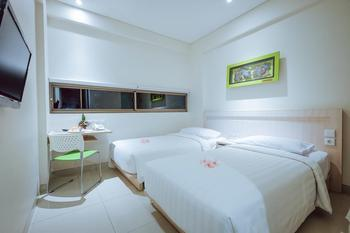 J Hotel Kuta - Cozy Twin Room With Breakfast Stay 2 Night Get 37% Discount