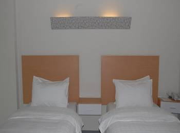 Orinko City Medan - Deluxe Twin Room Regular Plan