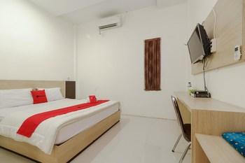 RedDoorz Syariah near Baiturrahman Aceh Banda Aceh - RedDoorz Room Basic Deal