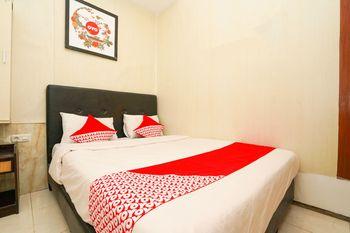 OYO 710 Naomi Heritage Surabaya - Standard Double Room Regular Plan