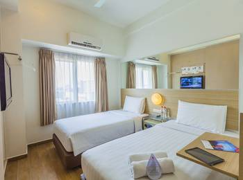 Red Planet Pasar Baru Jakarta - Twin Room with Breakfast Regular Plan