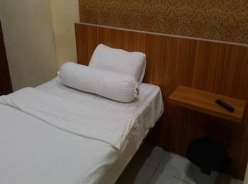 Tinggal Standard at Tanah Abang Jakarta - Standard Room Romantic Stay - 50%