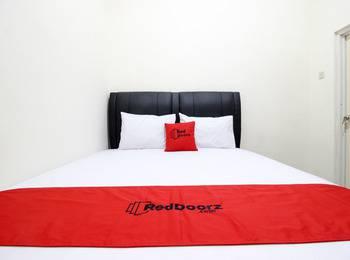 RedDoorz Plus near STIE YKPN 2 Yogyakarta - RedDoorz Room VHO Special Promotion