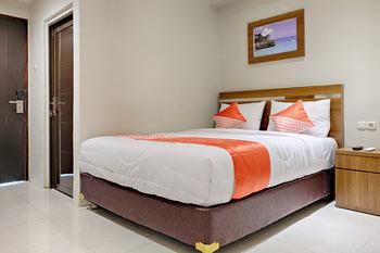OYO 2756 Anata Makassar - Deluxe Double Room Regular Plan