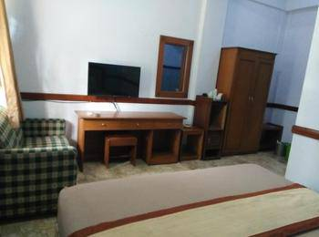 Hotel Bali Indah Bandung - Deluxe Room Only Save 16%