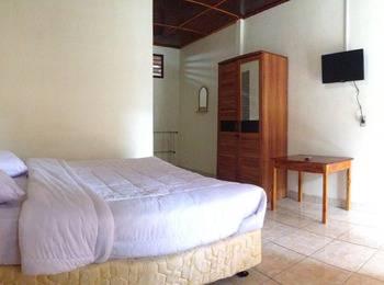 Judita Cottage Samosir - Deluxe Room Regular Plan