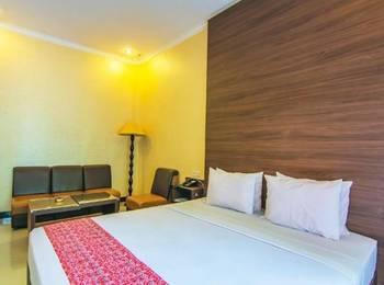 Hotel & Resto Selamet Banyuwangi - Deluxe Room Regular Plan