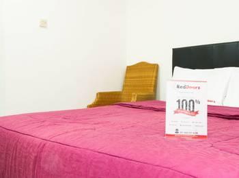 RedDoorz @Cilandak 3 Jakarta - Reddoorz Room Special Promo Gajian