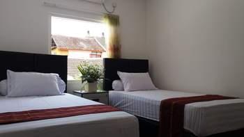 Donata House Bali - Twin Room with Sharing Bathroom (Floor 2) Regular Plan