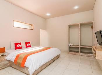 ZenRooms Ciung Wanara Denpasar Syriath Bali - Double Room with 2 Breakfast Special Promo