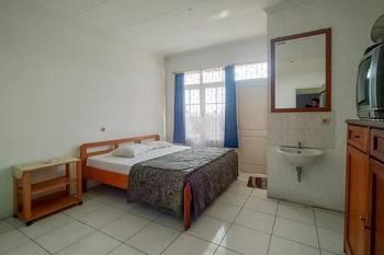 Pall Inn Puncak Puncak - Standard Room NO AC Basic Deal