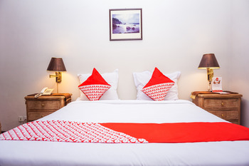 OYO 378 Boutique Hotel Mayang Syariah Padang - Suite Double  Regular Plan
