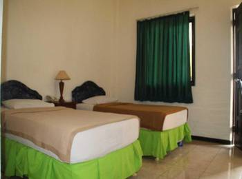 Ronggolawe Hotel Blora - Deluxe Twin Room Regular Plan